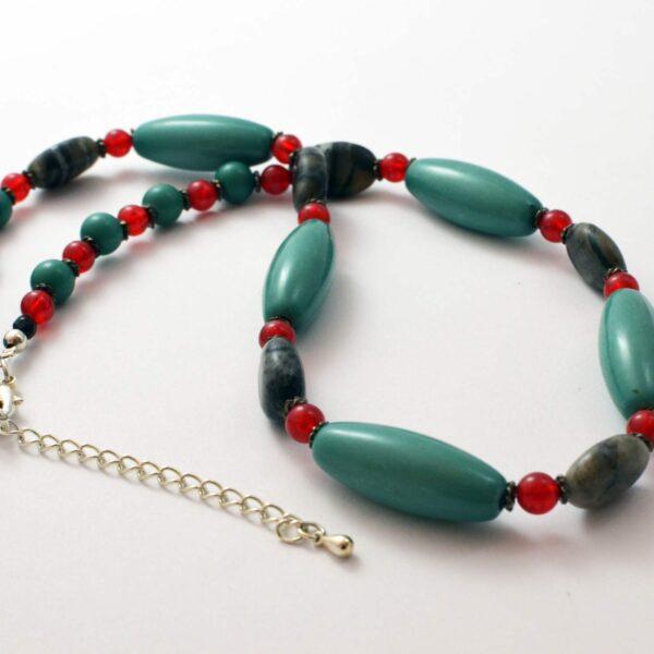 testimonial vintage reworked beads necklace semi-precious