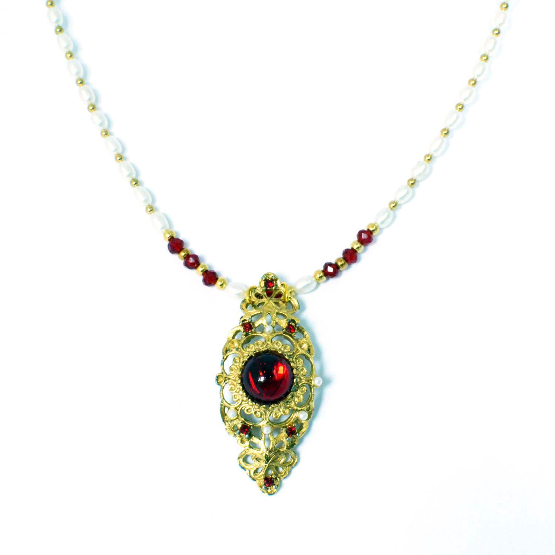 renaissance style necklace