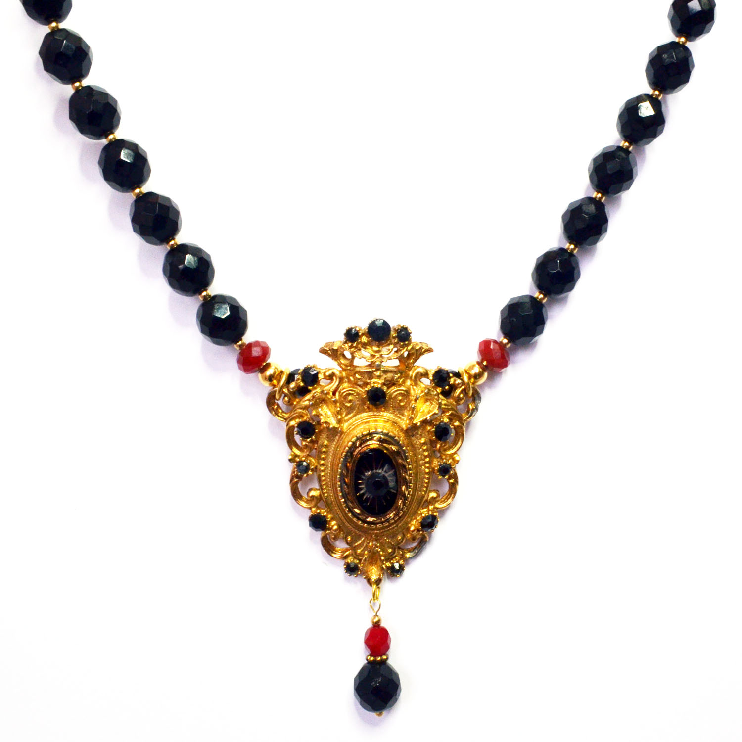 Gothic Necklace, Dracula