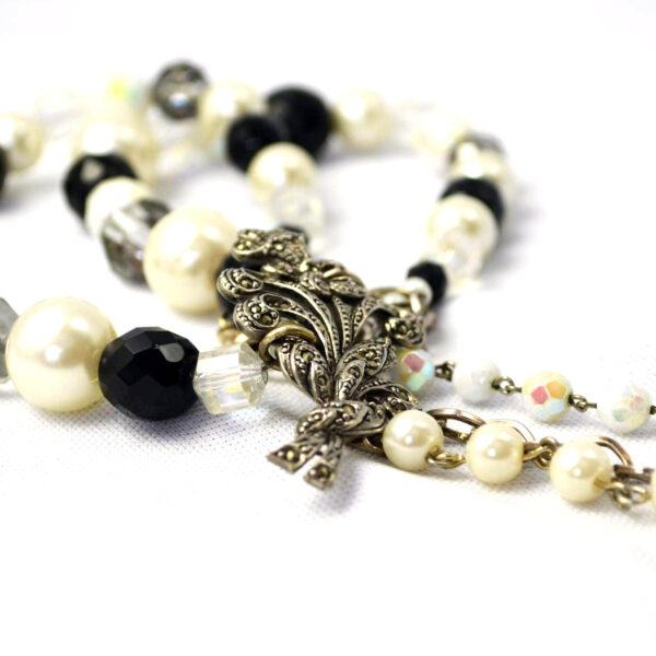 vintage necklace, black and white vintage necklace